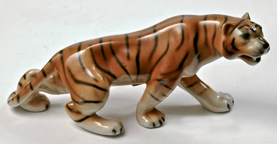 Online Auction of October 2014 — Ceramic and Porcelain