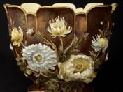 Zsolnay pot with Flower decor