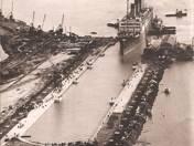 Erster Riesendampfer fahrt in das grösste Dock der Welt !